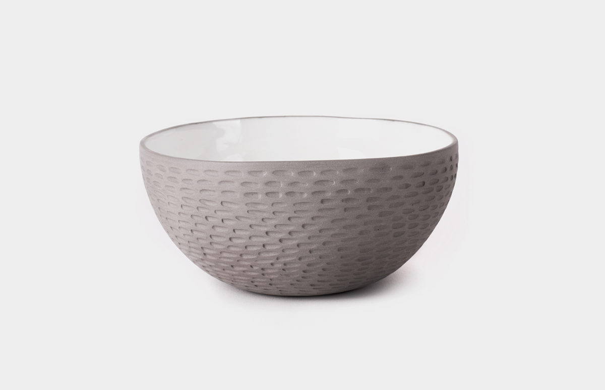 Small_bowl_relief_grey_1b